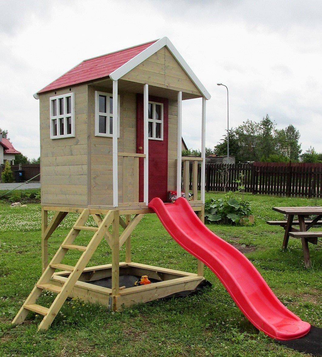 Cabaña de madera infantil