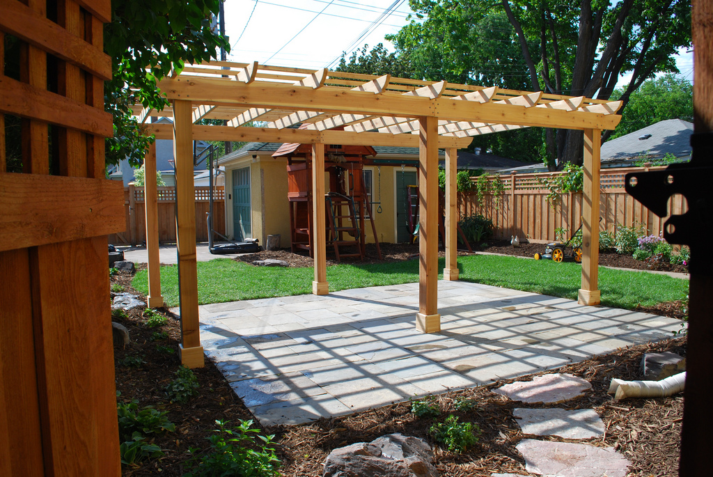 Pergola para jardín de madera